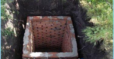 Der Bau der Toiletten im Land mit ihren eigenen Händen