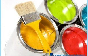 Wie für den Innen- und Außenbereich Farbe auf Holz zu wählen