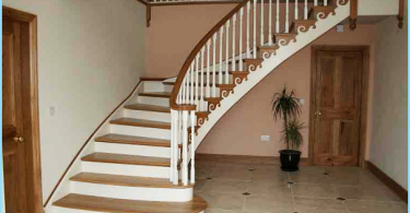 Treppen aus Beton mit ihren Händen